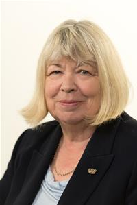 Profile image for Councillor Liz Fairhurst